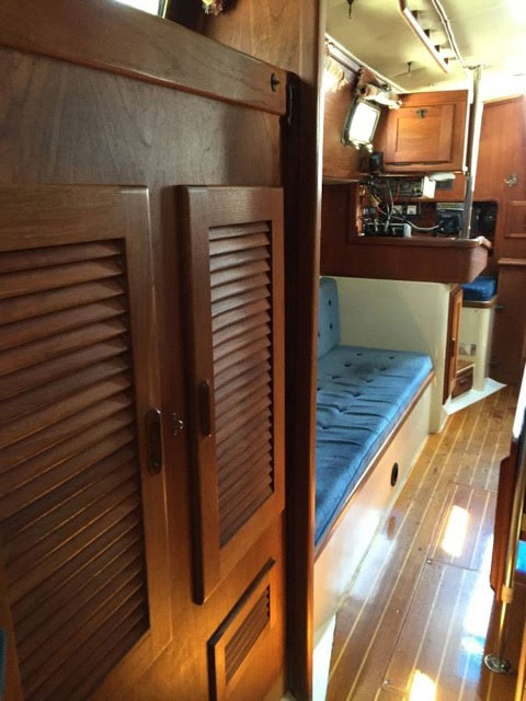Pacific Seacraft 34, 1989 sailboat