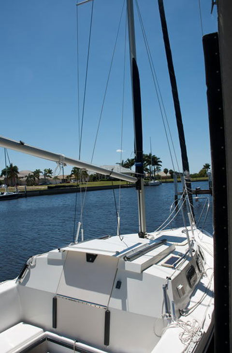 Rhodes 22, 1995 sailboat
