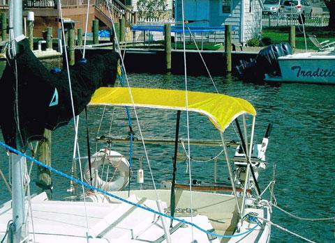 Rhodes 22, 1977 sailboat