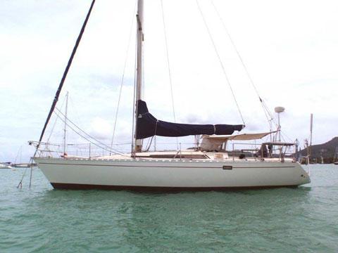 Beneteau First 38, 1982 sailboat