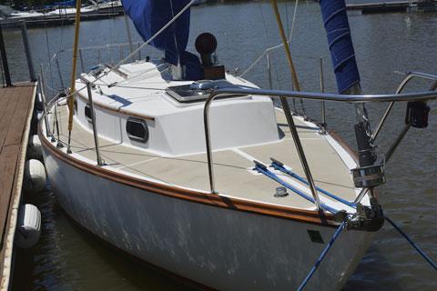 Cape Dory 27, 1980 sailboat