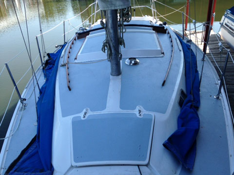 Catalina 30, 1975 sailboat