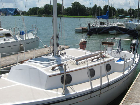 Com-Pac 23-3, 2000 sailboat