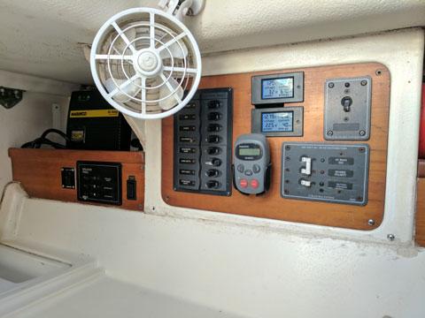 Contour 34sc, 1999 sailboat