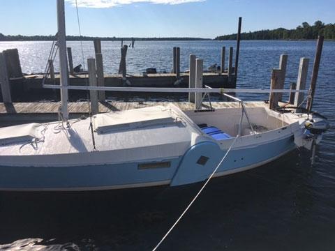 Dovekie 21, 1981 sailboat