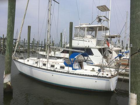 Endeavour 33, 1985 sailboat