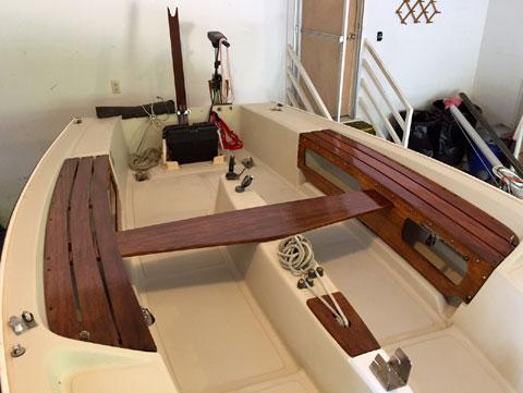 Boston Whaler Harpoon 5.2, 17ft., 1983 sailboat