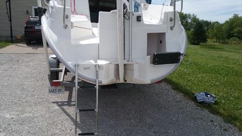 Hunter 240, 1999 sailboat