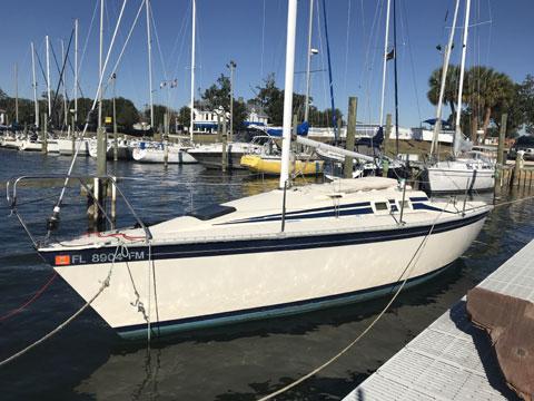 Hunter 25.5, 1985 sailboat