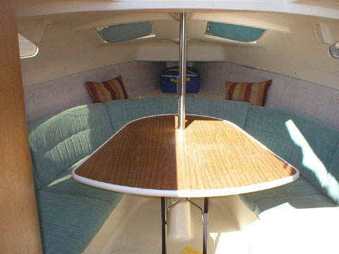 Hunter 260, 1999 sailboat