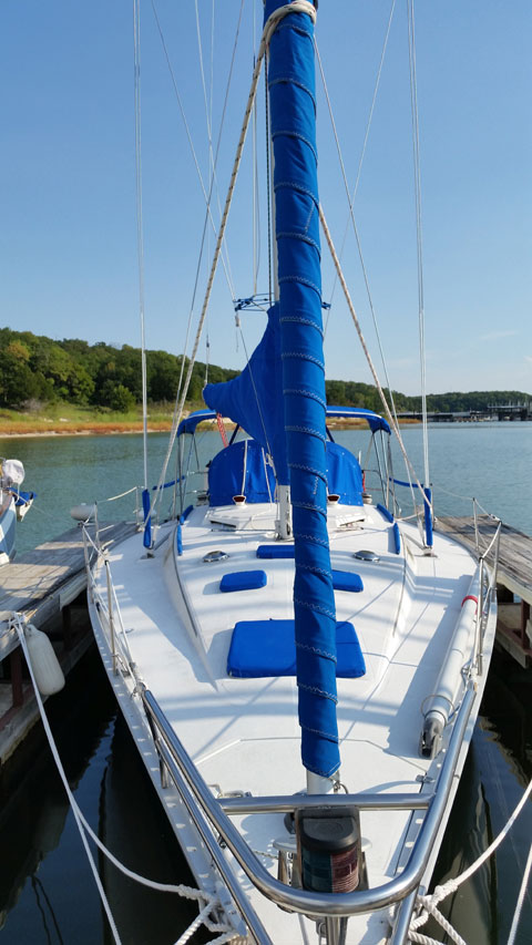 Hunter Legend 40', 1985 sailboat