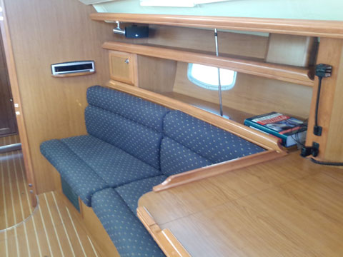 Hunter 45 Deck Salon, 2009 sailboat