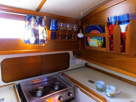 Irwin Citation 31, 1984 sailboat