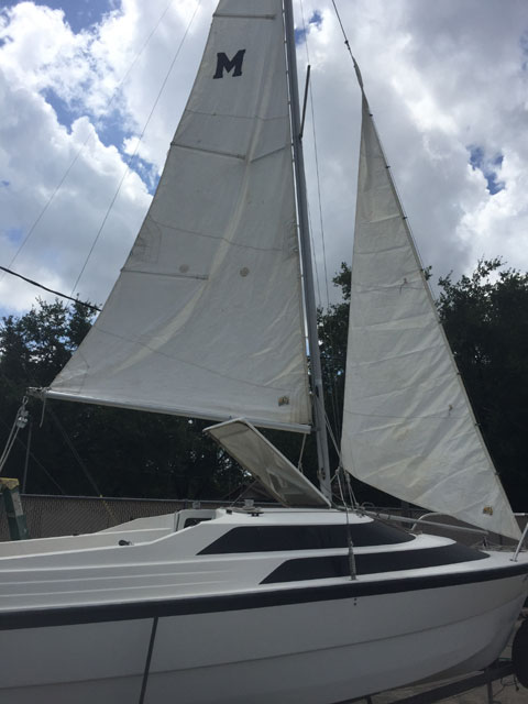 MacGregor 18, 1993 sailboat