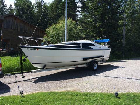 Macgregor 26M Power Sailor, 2010 sailboat