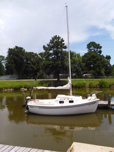 Sanibel 17, 1985 sailboat