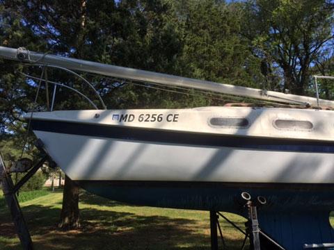 Tanzer 22, 1981 sailboat