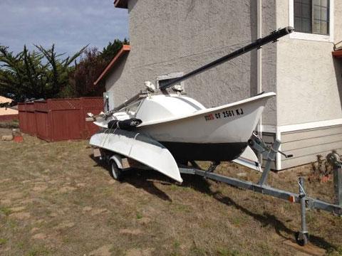 Tremolino trimaran sailboat