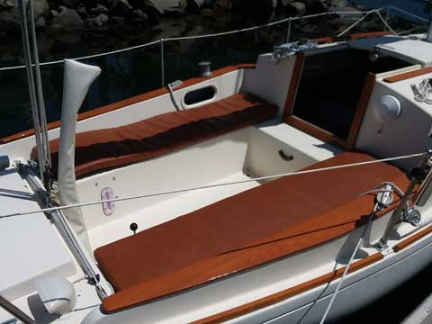 Alberg 22, 1980 sailboat