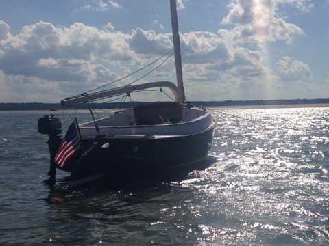 Alerion Express 19 Catboat, 1999 sailboat