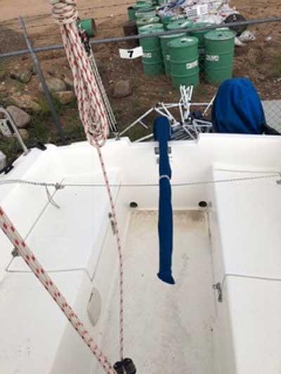 Catalina Capri 18, 2000 sailboat