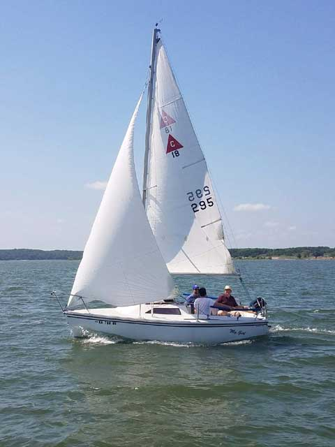Catalina Capri 18, 1988 sailboat