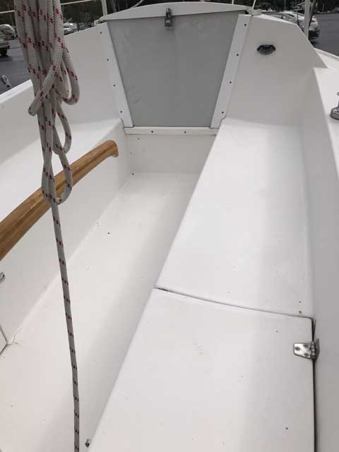 Catalina 18, 2001 sailboat
