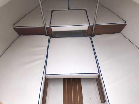 Catalina 18, 2001 sailboat