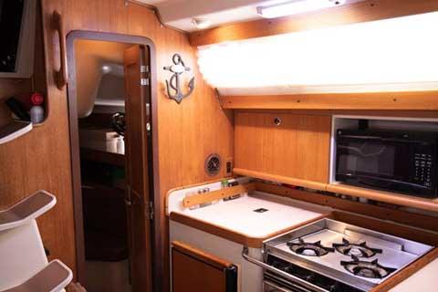 Catalina 380, 38 ft, 2001 sailboat