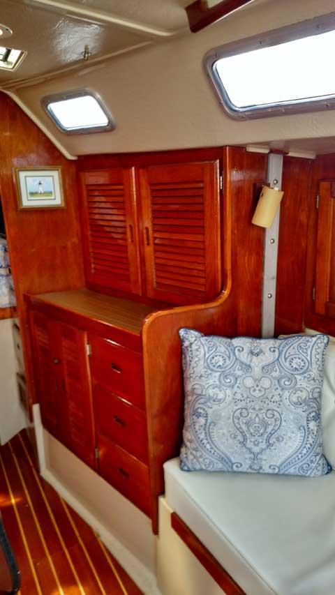 Catalina 38, 1982 sailboat