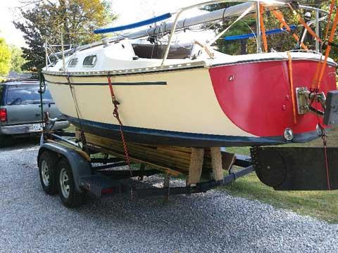Chrysler Sunpiper, 22 ft sailboat