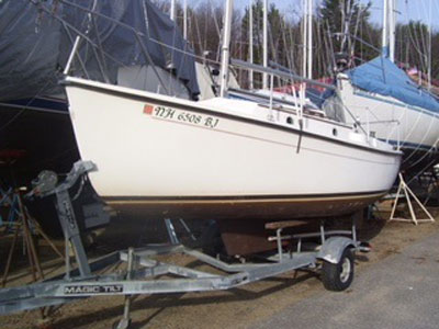 Compac 19 2, 1982 sailboat