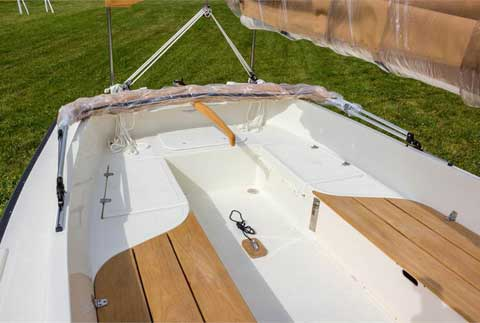 ComPac Horizon sailboat