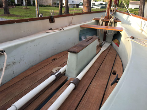 Drascombe Dabber, 1979 sailboat