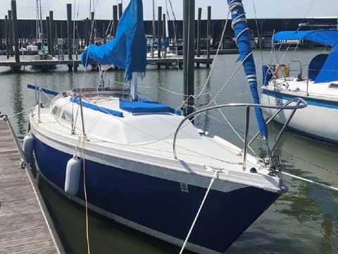 Ericson 25 C/B, 1976 sailboat