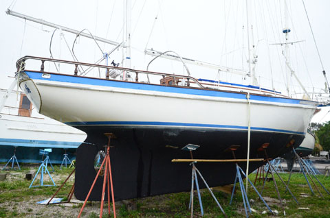 Fuji Ketch, 35 ft., 1976 sailboat