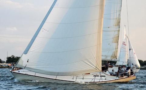 Hinckley 43, 1976 sailboat