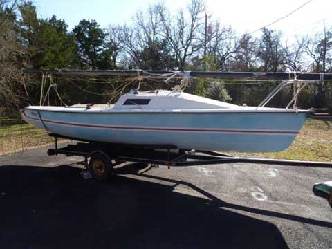 Holder 20, 1984 sailboat