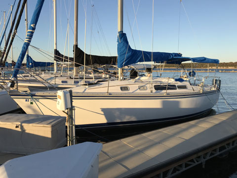 Hunter 31, 1985 sailboat