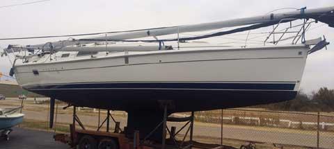 Hunter 33, 2007 sailboat