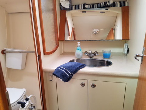 Hunter 36, 2005 sailboat