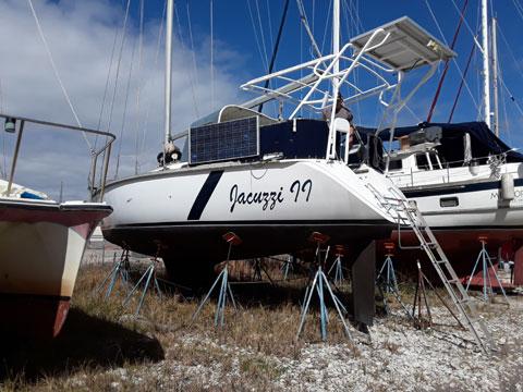 Hunter Legend 37.6, 1988 sailboat