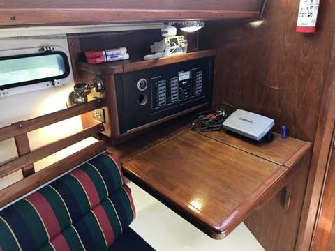 Irwin Citation 32, 1987 sailboat