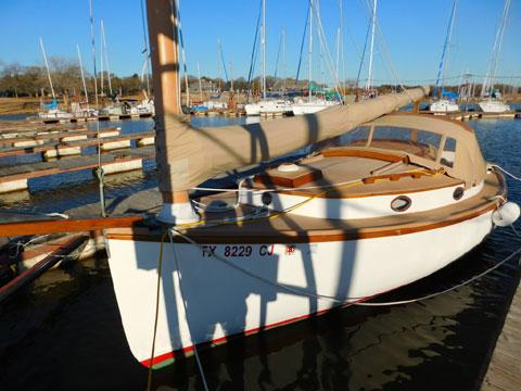 Marshall 22, 1997 sailboat