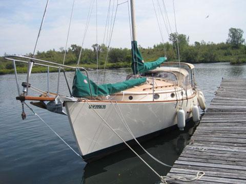 Mystic 30, 1980 sailboat