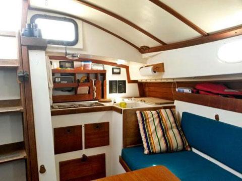 Legnos Mystic 30 Cutter, 1979 sailboat