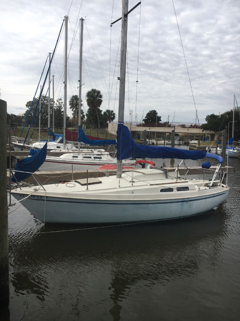 Newport 27', 1975 sailboat