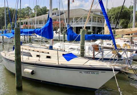 O'Day 28, 1984 sailboat