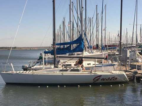 Olson 30ft Raceboat, 1980 sailboat