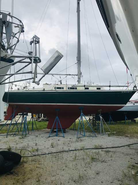 Tartan T-30, 1973 sailboat